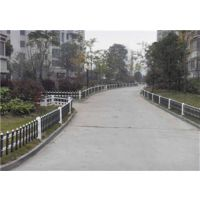 PVC草坪护栏,英环丝网(图),在哪里买PVC草坪护栏