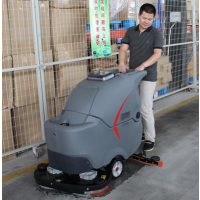 武汉手推式电瓶全自动洗地机GM50B 高美洗地机