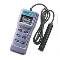 何亦AZ8403便携式溶解氧测定仪采用电解比色法测量水中氧气的含量。