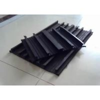 沉降缝壁板背贴式橡胶止水带施工方法