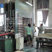 青岛国森机械牌竹木复合或木木复合板热压机与预压机设备