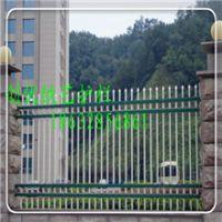 供应锌钢护栏★铁艺栅栏★市政道路隔离栏产品具有高防腐、易安装、坚固美观的特性,高质量,终身售后服务。