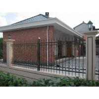 专业供应锌钢围栏、铸铁栅栏、小区防护网、厂区围栏专业生产厂家