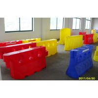 防撞水马批发厂家 塑料反光水马 按要求喷子水马 滚塑水马一次成型,内外光滑,壁厚均匀,无气孔