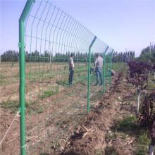 万泰隔离栅栏 种植基地防护围栏 铁丝网围网