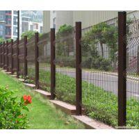 公园三角折弯护栏网 桃型立柱防护网 别墅外墙围网