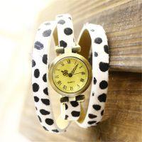 精致文艺波点绕腕表 淘宝热销女士长表带手表 速卖通爆款现货供应