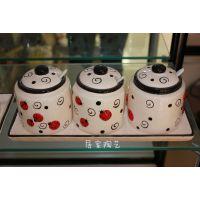 厂家直销 供应陶瓷调味罐 厨房餐厅餐桌调料三件套配瓷盘