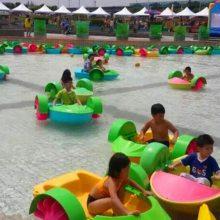 中国式单人水上手摇船 彩色儿童加厚手摇船 水上乐园设施批发