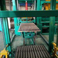 郑州鸿万供应3-15、4-15型多功能水泥混凝土面包路面植草透水马路花砖机