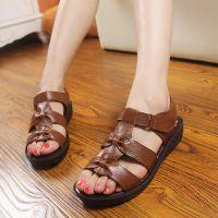 2015新款浙江温州圆头牛皮妈妈鞋夏季罗马镂空鞋中老年平跟纯色鞋