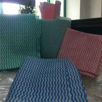 印花水刺无纺布生产厂家 65g拒水全涤纶无纺布 波浪纹抹布加工