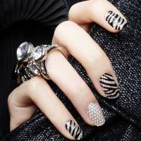 新款钻石指甲贴上市 质量超好的美甲贴纸 厂家现货提供长期不断货