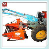 厂家常年直销亚泰机械品牌4U-650A小型土豆/红薯收获机 配套15马力手扶拖拉机