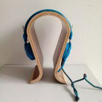 龙魁直供曲木防滑耳机座,多层板加工,弯曲木展示架定制