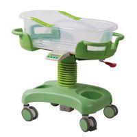 ZBE17-F-1 厂家直销!妇产科绿色ABS婴儿车 医院用可升降塑料婴儿床