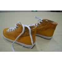 河南省厂家直销质量休闲板鞋 量大从优 质量保障