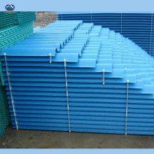 冷却塔收水器收水器是应用在闭式冷却塔当中的一种收集飘逸水的装置,能够有效的阻断流动空气的水分,提高节