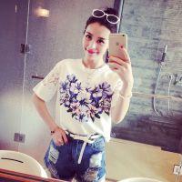 小银子2015夏装新款简约舒适蕾丝拼接花朵显瘦中袖T恤女G