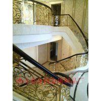 豪华别墅简约装饰风格铝雕刻花格镀金色楼梯护栏