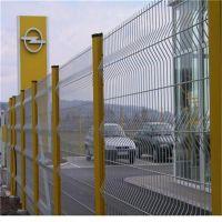 泰凯三角折弯网围栏 桃形立柱护栏网折弯护栏网