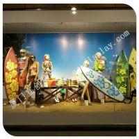 夏季泳装橱窗 玻璃钢浪板 玻璃钢拖鞋 玻璃钢橱窗道具展示 来图定制