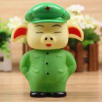 搪胶新款绿猪公仔玩具 军款猪悠嘻公仔 玩具猪 地摊热卖