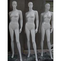 服装店橱窗女士服装展示亮白模特 服装展示道具模特 抽象脸模特衣架
