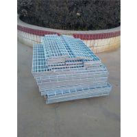 航金格栅板(图)、水沟上用的热镀锌钢格板、热镀锌钢格板