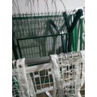 方便面波浪形护栏网,安平火狐护栏网厂,价格优质