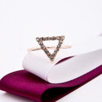 韩版小饰品 2014新个性时尚三角镶钻戒指 夜市热卖全球速卖通货源