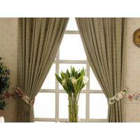 美丽窗帘与精美高档铝合金门窗的完美配套,才显出家居整体效果-康盈门窗品牌