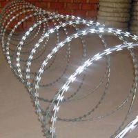 304刀片刺网厂家 交叉式螺旋刀片刺绳 果园刺绳围网