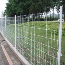 万泰公路围网 铁丝护栏网 公路隔离栅栏