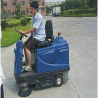 中大型驾驶式扫地机KM1800