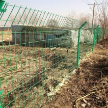 圈地用铁丝网 护栏网多少钱一米 高速公路护栏网