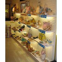 厦门皮具展示柜定做,箱包柜采用多种材质组合,款式多样化