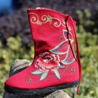 2013新款民族风绣花靴 中筒 加绒保暖 内增高 冬季必备