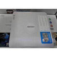 4路胶盒网络带POE供电 DS-7104N-SN/P海康威视硬盘录像机