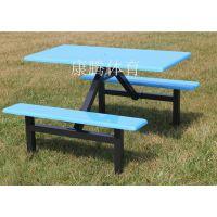 来我厂拿货的广州老顾客 60套食堂桌椅 4人位连体餐桌 玻璃钢餐桌椅生产厂家康腾体育