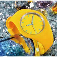 速卖通爆款 外贸男士手表 防水运动硅胶石英表 手表定做