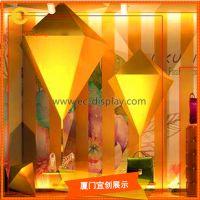 专业道具生产厂家供应时尚主题橱窗制作