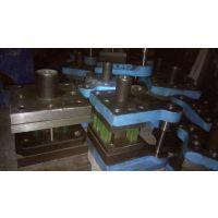 供应广东深圳铁柜模具,铁皮柜切角专用模具,不锈钢柜切角模具