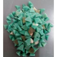 四面体塑磨厂家直销,软金属去毛刺磨料生产厂家,三角树脂抛磨块批发