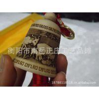 【厂家热销】桃木铃铛车挂件 带红色中国结 烙画铃铛车挂出入平安