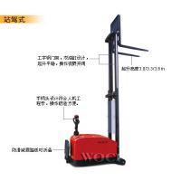 平衡重式电动堆高车