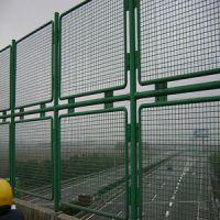 供甘肃桥梁护栏网和兰州铁艺护栏网特点