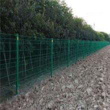万泰厂区围栏 工厂围墙围栏 三角折弯护栏网