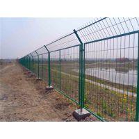 供应公路护栏网 道路安全隔离栅 广西利鸣护栏网厂家