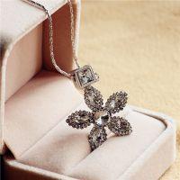夸张花朵水钻金色女士短款项链颈链韩版时尚配饰品毛衣链挂件礼物